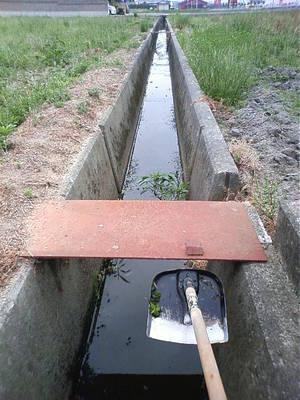 用水路清掃